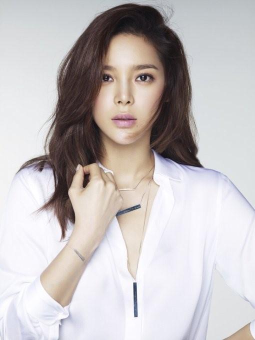 Park Si Yeon