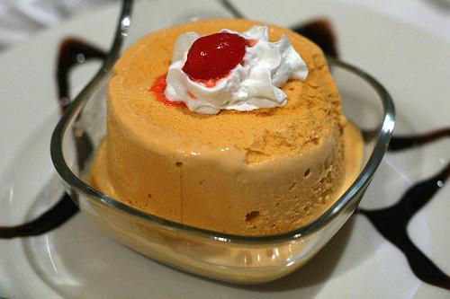 Lucma ice cream