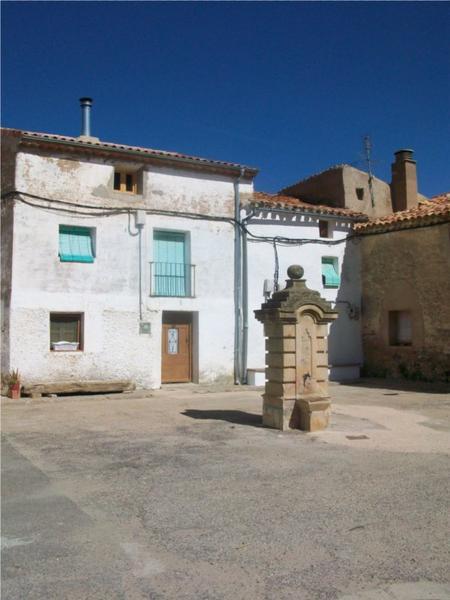 Вальделагуа-дель-Серро, Сория - (16 жителей)