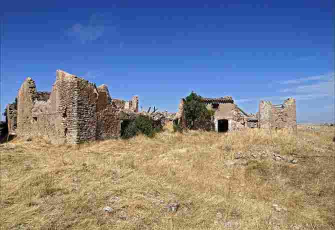 Quiñonería, Soria - (13 inhabitants)