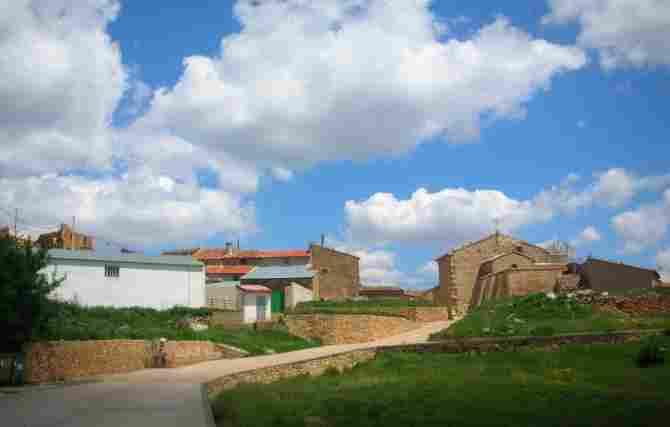 Salcedillo, Teruel - (8 inhabitants)