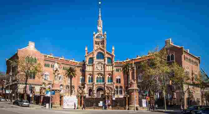 Visit La Sagrada Familia and the Hospital de Sant Pau