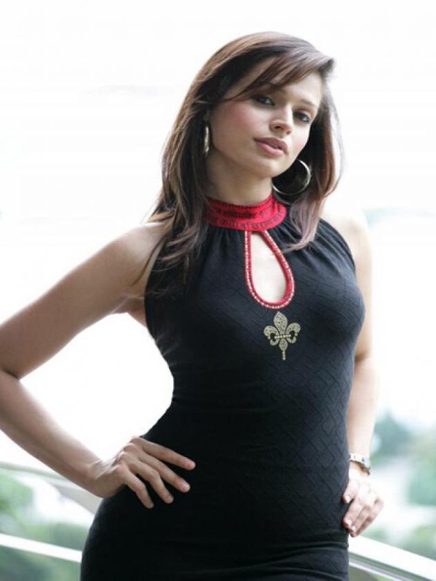 Amrita Thapar (Pune)