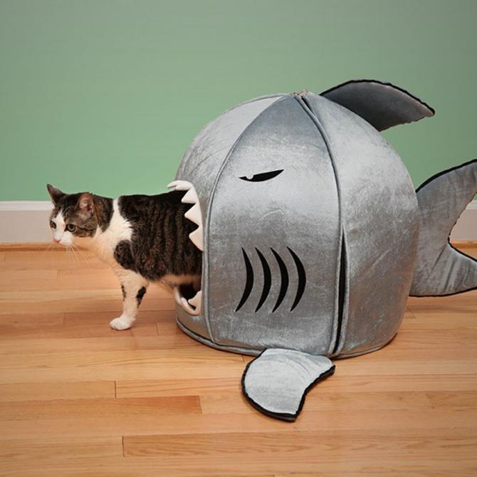 Łóżko w kształcie rekina