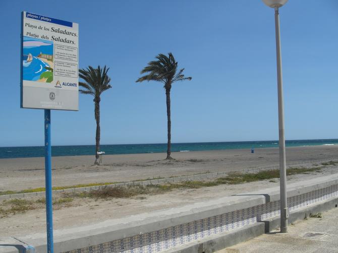 Beach of the Saladares, Urbanova (Alicante)