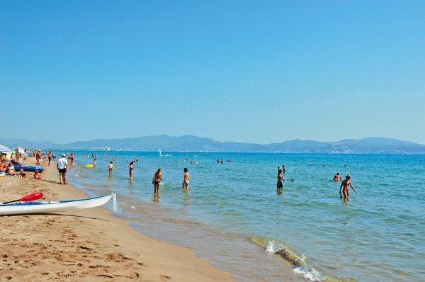 Playa de Sant Pere Pescador, Girona