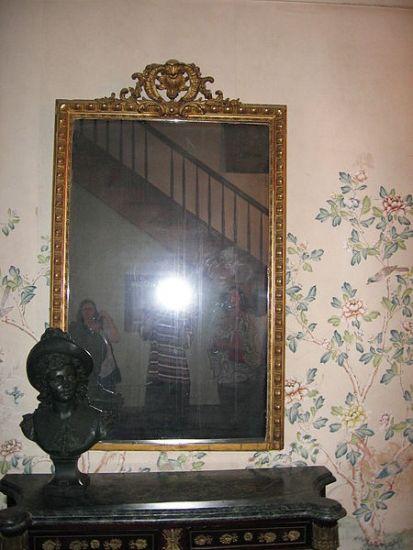 4. The mirror of Myrtles Plantation