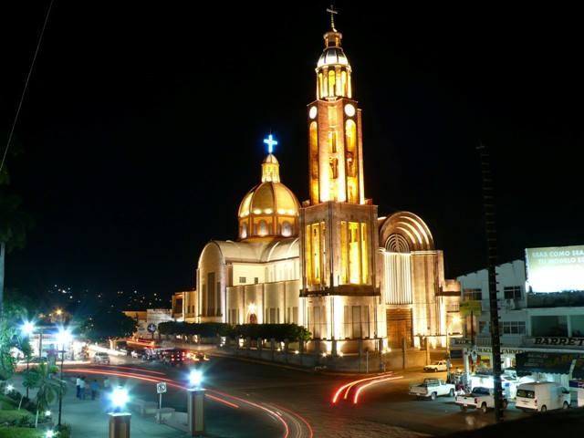 Собор Апацинган, Мичоакан.