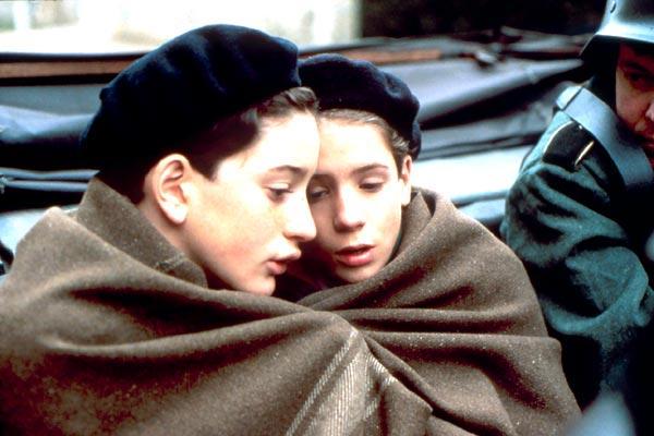 Selamat tinggal, anak laki-laki (1987)