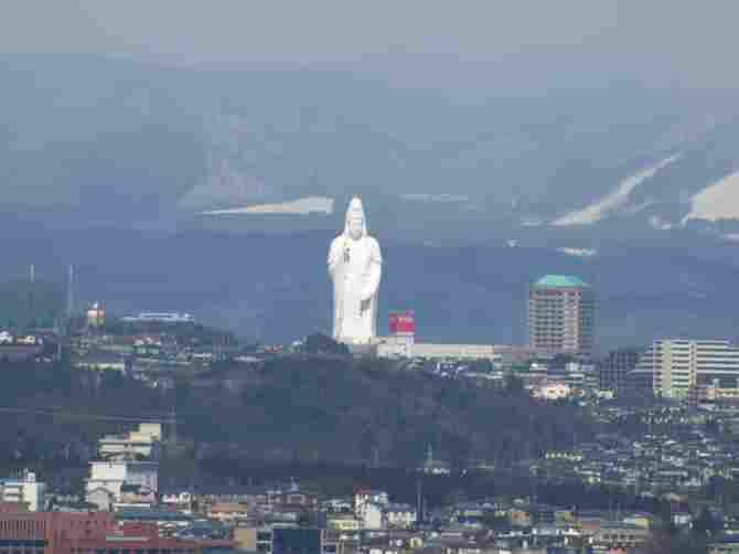 Sendai Daikannon de Japón - 100 metros