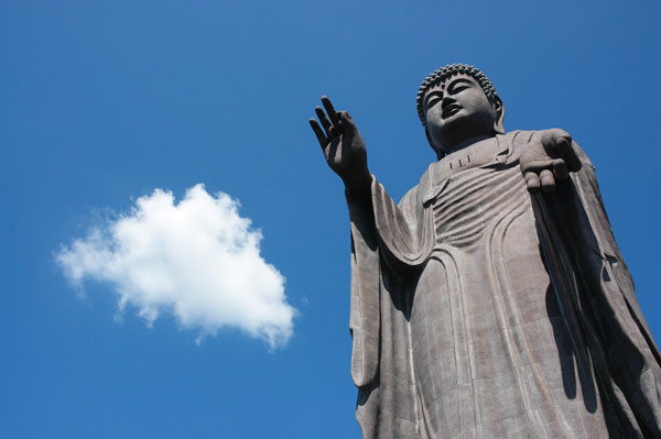 Ushiku Daibutsu dari Jepun - 110 meter