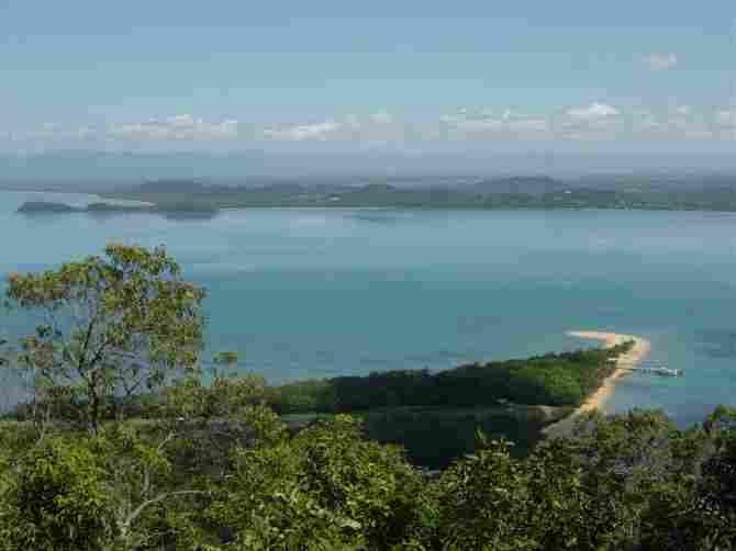 Australia - DUNK ISLAND