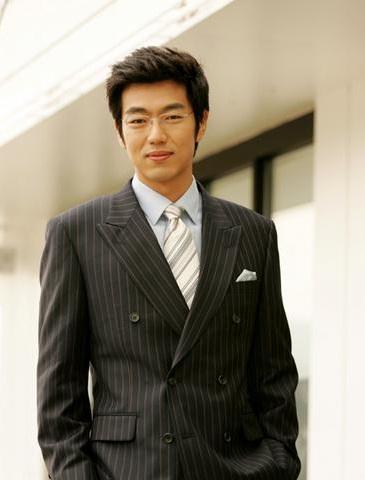 Hyeon Tae (Lee Jong Hyeok) - Die grüne Rose