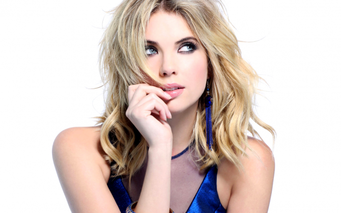 Ashley Benson - Pretty Little Liars