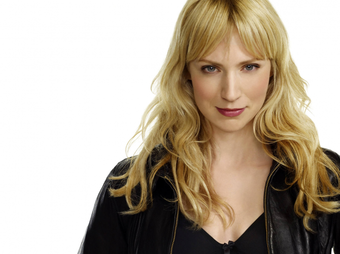 Beth Riesgraf - The rules of the game (Leverage)