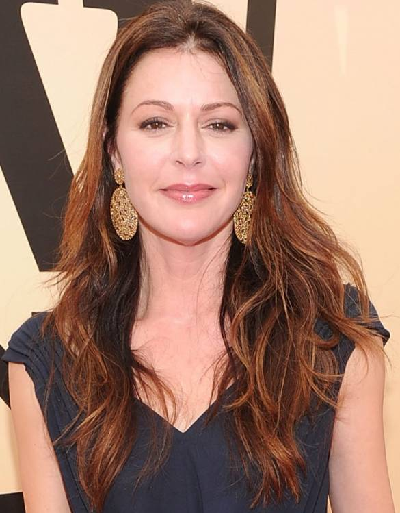 Jane Leeves - Queens Poker (Hot in Cleveland)
