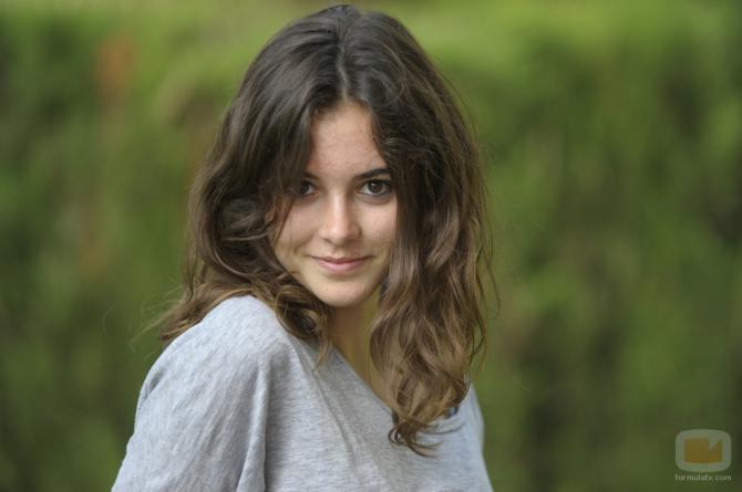 Joana Vilapuig - Красные браслеты