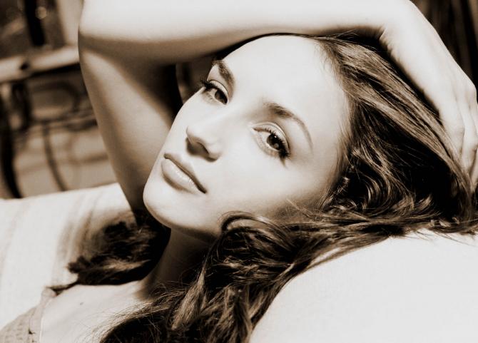Rachael Leigh Cook - Perception