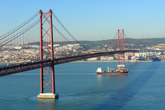 25 Мост Абриль (Португалия)