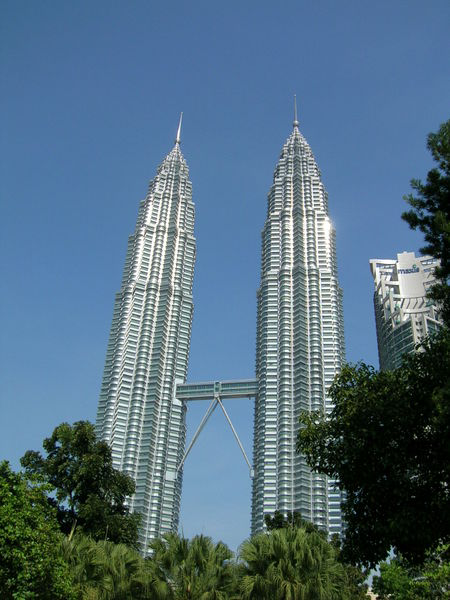 Башни Петронас (Малайзия)