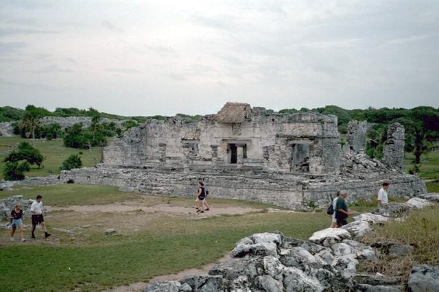 Руины майя в Тулуме в Канкуне (Мексика)