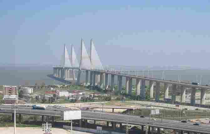 Vasco de Gama Bridge (Lisbon)