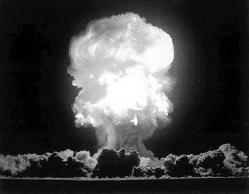 Om den hela tiden körs i 6 år och 9 månader utan att stoppa, skulle tillräckligt med gas skapas för att göra en atombomb